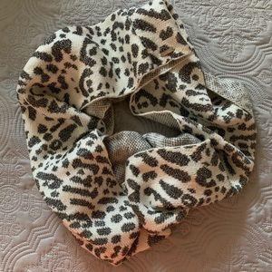 Calvin Klein animal print Infinity scarf